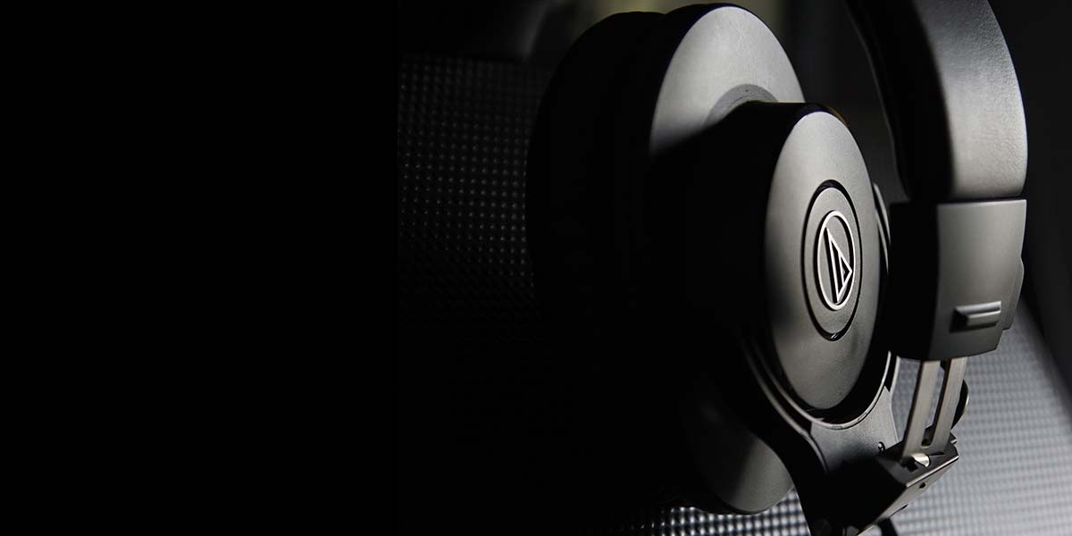Mixing desk headphones